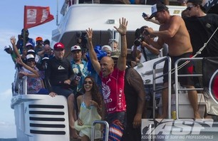 Kelly Slater Wins Volcom Fiji Pro Photo Gallery and Video Highlights