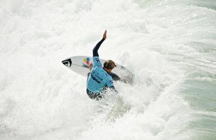 Kelly Slater And Dane Reynolds Lead Amazing Quarterfinal Matchups at Nike US Open of Surfing Photo 0010