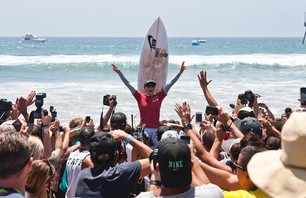 Lakey Peterson Wins Women's Nike US Open of Surfing Photo 0002