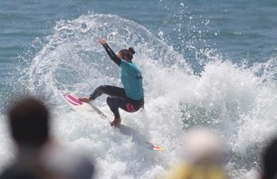 Lakey Peterson Wins Women's Nike US Open of Surfing Photo 0005
