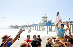 Julian Wilson Wins Nike US Open of Surfing Photo 0002