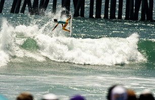 Julian Wilson Wins Nike US Open of Surfing Photo 0004