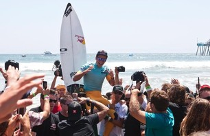 Julian Wilson Wins Nike US Open of Surfing Photo 0009