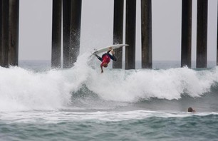 Julian Wilson Wins Nike US Open of Surfing Photo 0017