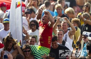 Sebastian Zietz Wins Reef Hawaiian Pro Photo 0009