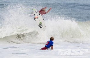 Day One of Quiksilver Pro France is in the Bag Photo 0007