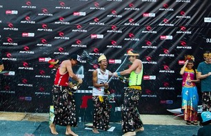 Chris Ward Wins Rip Curl Cup Invitational at Padang Padang Then Proposes to Girlfriend on Podium Photo 0006