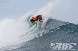 No Major Upsets as Round Two of Billabong Pro Teahupoo Concludes Photo 0008