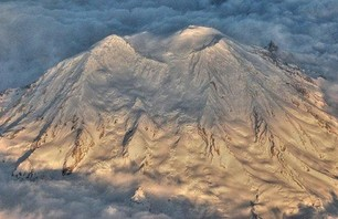 Skier Dies in Crevasse on Mt Rainier