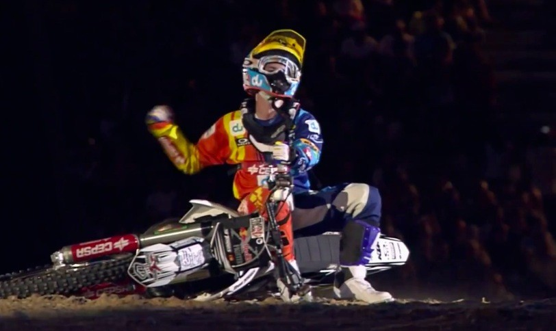 ‪Freestyle motocross - Red Bull X-Fighters 2011 Dubai recap‬