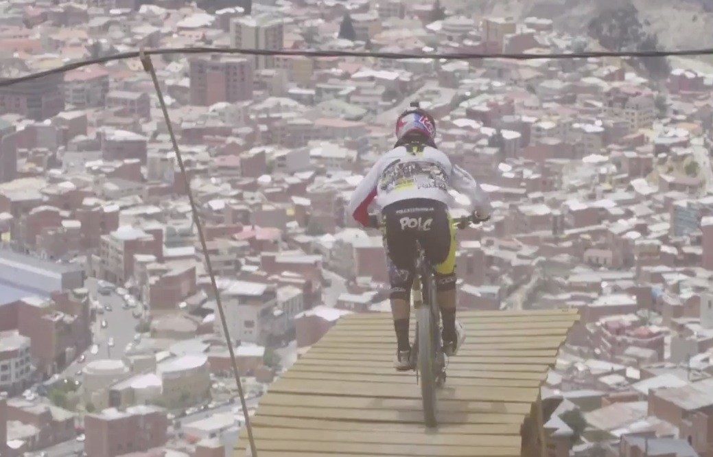 World\'s Highest Urban MTB Downhill Race - Red Bull Descenso del Condor 2012