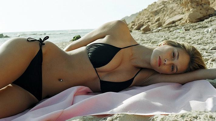 Beautiful Babes with Beach Towels (w/video)