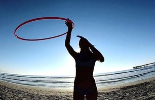 Hula Girls on the Beach of Venice Are Amazing (w/video)