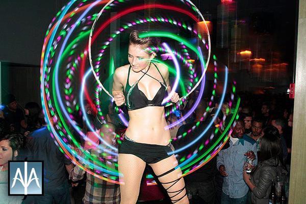 BNQT.com - - Photo Gallery > Must Watch - Incredible L.E.D. Hula ...