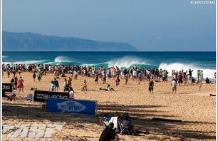 Billabong Pipe Masters - Day 1 Gallery Photo 0002