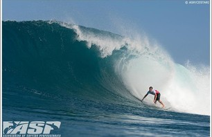 Billabong Pipe Masters - Day 1 Gallery Photo 0006