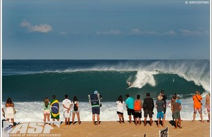 Billabong Pipe Masters - Day 1 Gallery