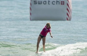 Satch Girls Pro Final Day Action Gallery Photo 0004