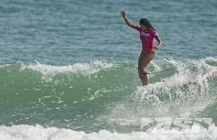 Satch Girls Pro Final Day Action Gallery Photo 0008