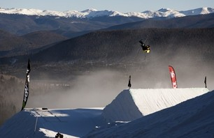 Banks Gilberti Dew Tour