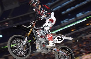 Supercross Gallery - Indy 450 2011 Photo 0007