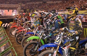Supercross Gallery - Indy 450 2011