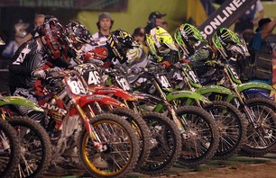 Supercross Gallery - Indy 250 2011 Photo 0006