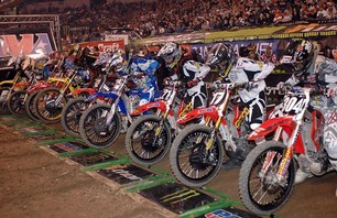 Supercross Gallery - Indy 250 2011 Photo 0008