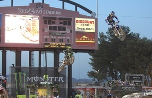 Supercross Las Vegas 2011 - 250 Gallery Photo 0011