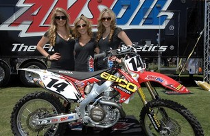 Supercross Las Vegas 2011 - 450 Gallery Photo 0002