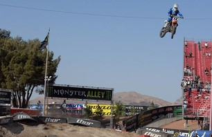 Supercross Las Vegas 2011 - 450 Gallery Photo 0009