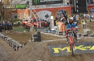 Supercross Las Vegas 2011 - 450 Gallery Photo 0011