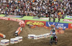 Supercross Las Vegas 2011 - 450 Gallery Photo 0012