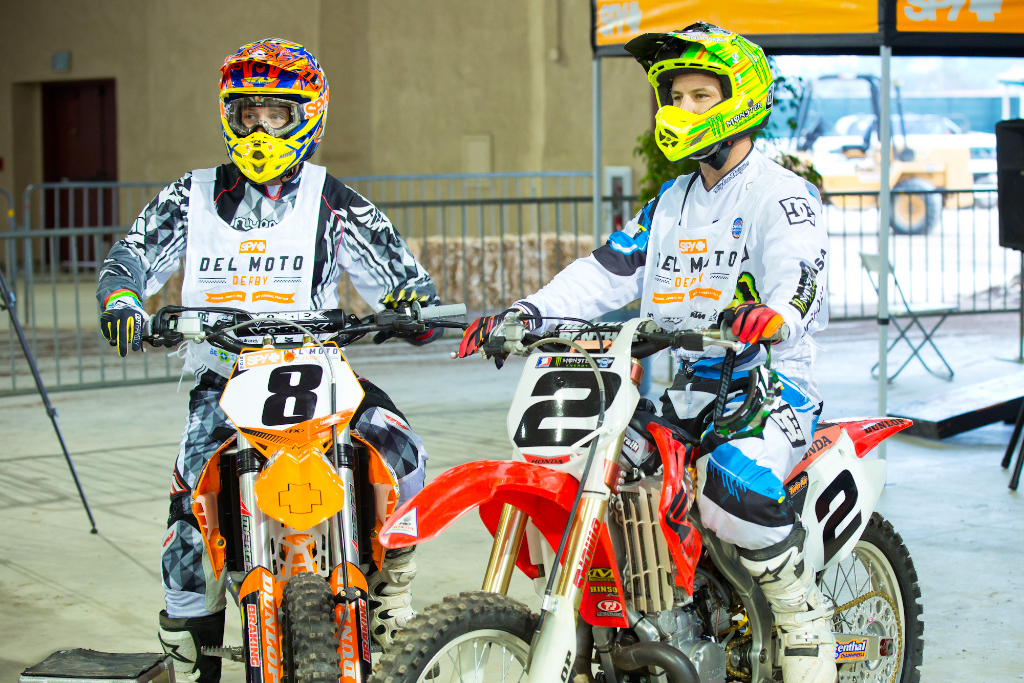 Racer X Films: Spy\'s Del Moto Derby
