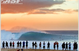Reef Hawaiian Pro - Pipeline Gallery Photo 0002