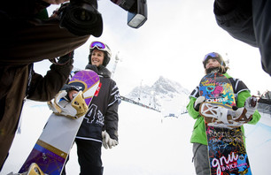 Farrington Wins First Gold in Snowboard SuperPipe