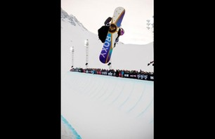 Winter X Games Europe - Women\'s SNB Pipe Finals Photo 0008