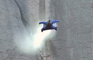 Science of Wingsuit Physics Explained