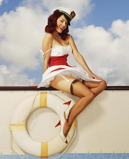 12 Drop Dead Gorgeous Pin-Up Girls
