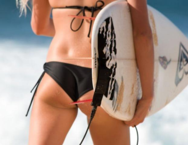 15 Sizzling Surfer Babes