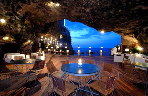 Sea Cave Restaurant in Southern Italy Photo 0001