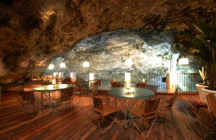 Sea Cave Restaurant in Southern Italy Photo 0002