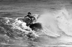 Thomas Surfboards x Deus Photo 0004