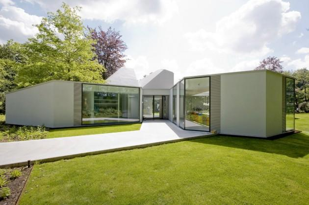 Villa 4.0 by Dick van Gameren Architects