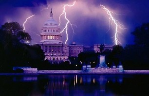 12 Stunning Lightning Strikes On Spectacular Landmarks