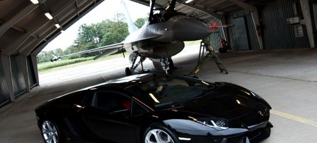 Video of the Day:Lamborghini Aventador vs. F16 Fighting Falcon